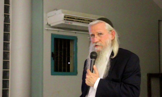 מהותו הייחודית של קרבן הפסח המבטא את אחדות עם ישראל עם השם הרב מנחם מקובר